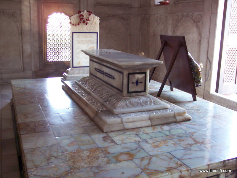 Mazar of Allama Iqbal