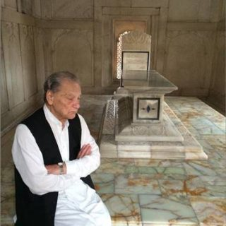 javed iqbal at mazaat of allama iqbal
