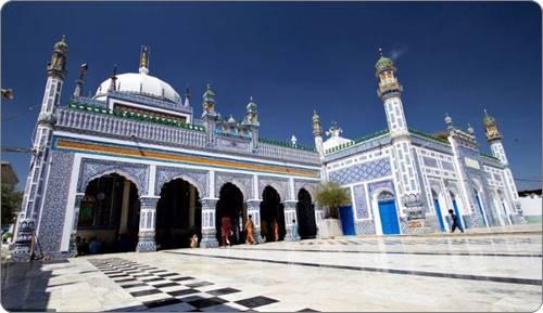 mazaar of hazrat shah abdul latif bhittai